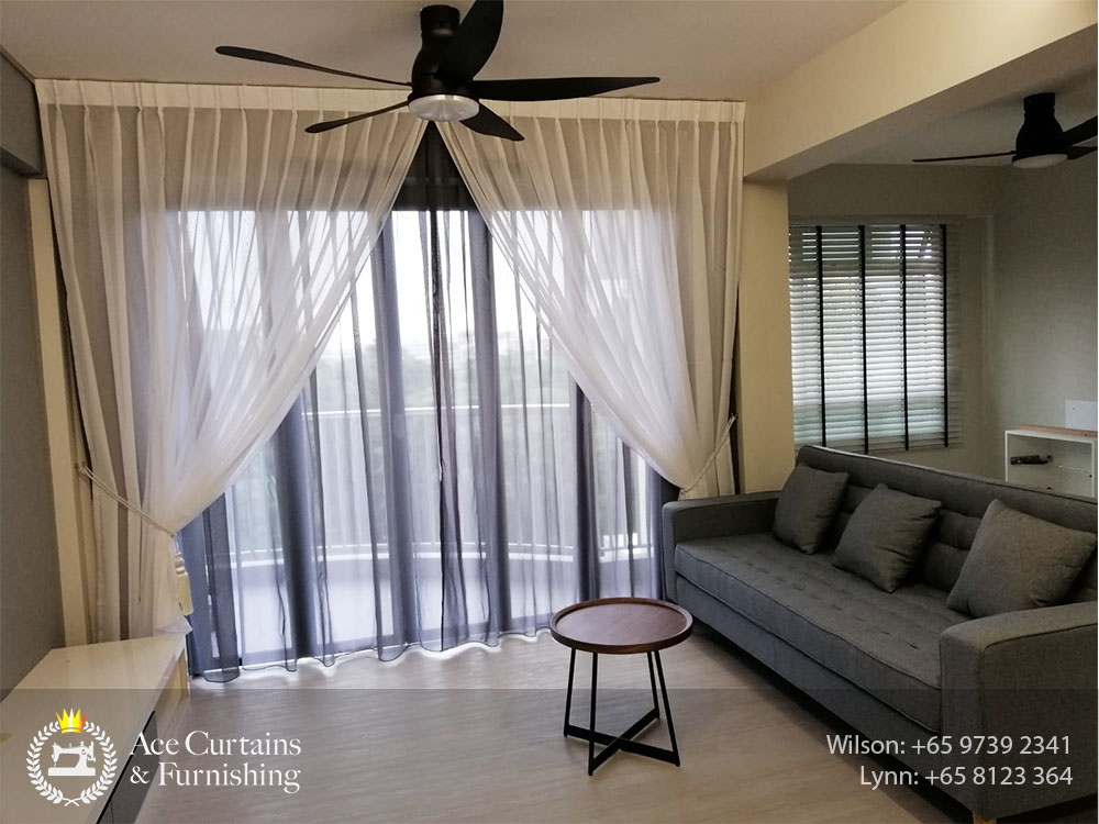 Condo balcony double day curtains layering with Venetian blinds for small window
